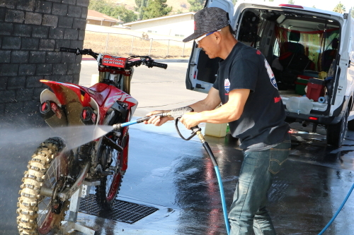 20IMG2314洗車web.JPG