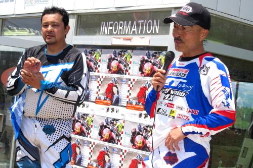 IMG6008表彰台第1ヒートweb.JPG
